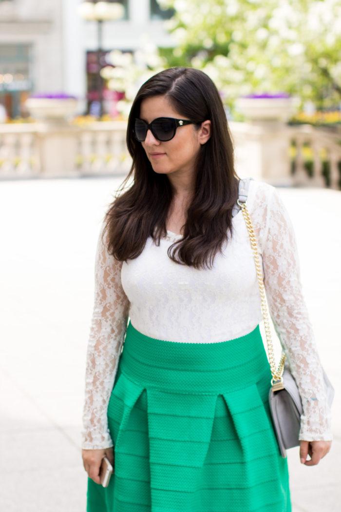 HM Skirt, green summer skirt, white lace top. rockstud sandals, quilted handbag, summer outfit idea