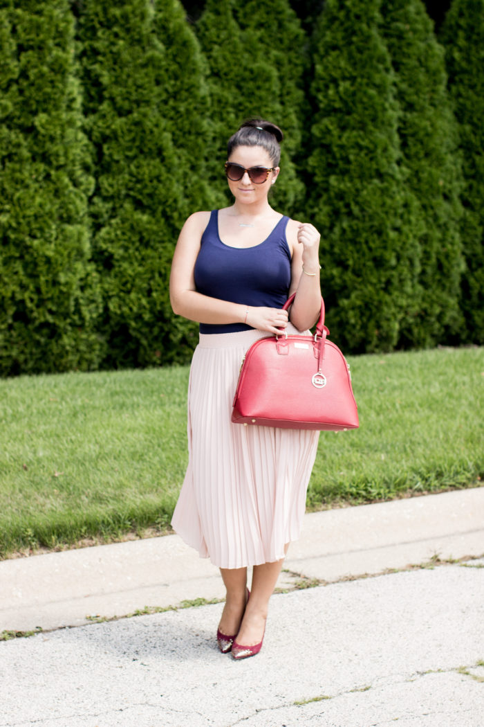 how to wear a pleated skirt1