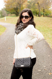 How to accessorize a Black and White outfit
