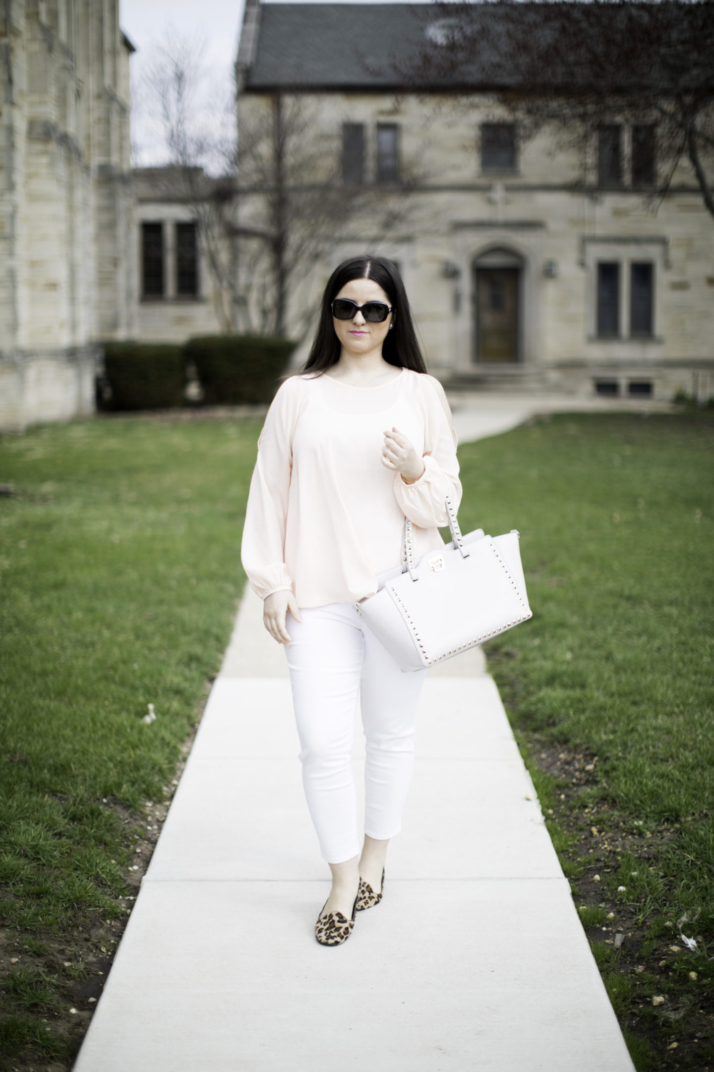 blush blouse with white jeans