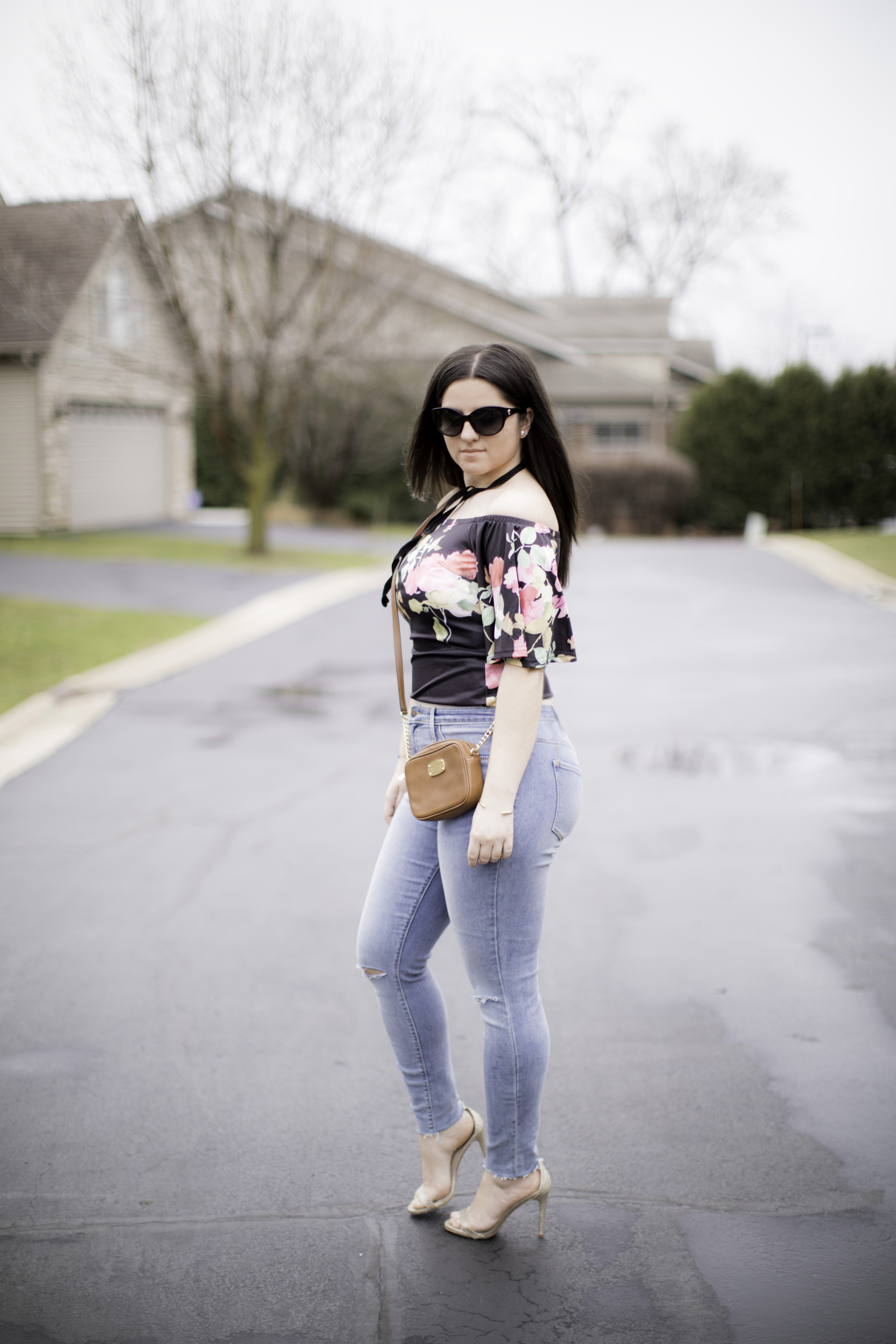 How to style an off the shoulder top for a date nigh, floral top, skinny high waist jeans, bailylamb, chicagoblogger, rockfordblogger