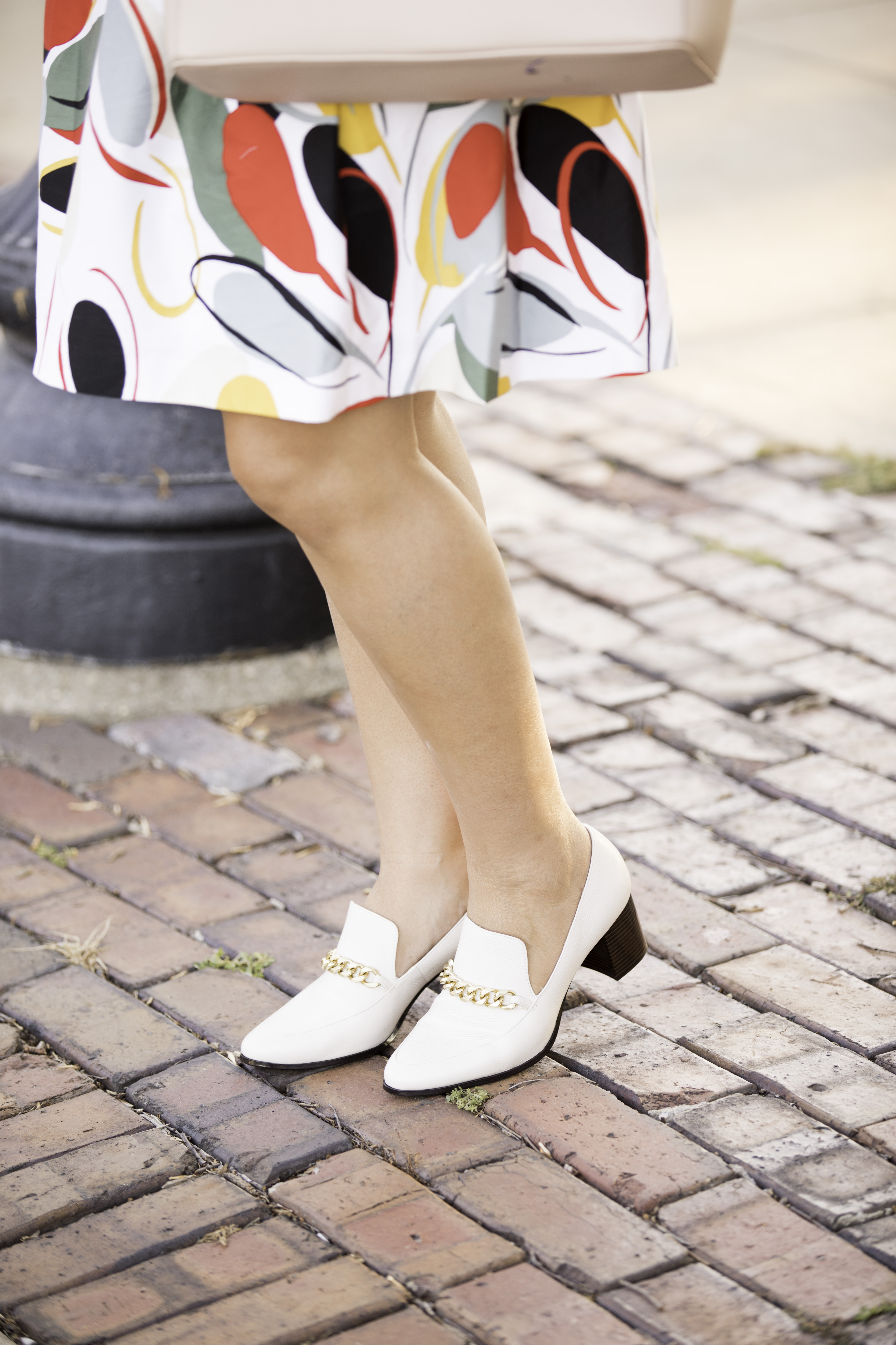 retro inspired look, anne klein dress for work,calvin klein chunky heel pumps, white work shoes