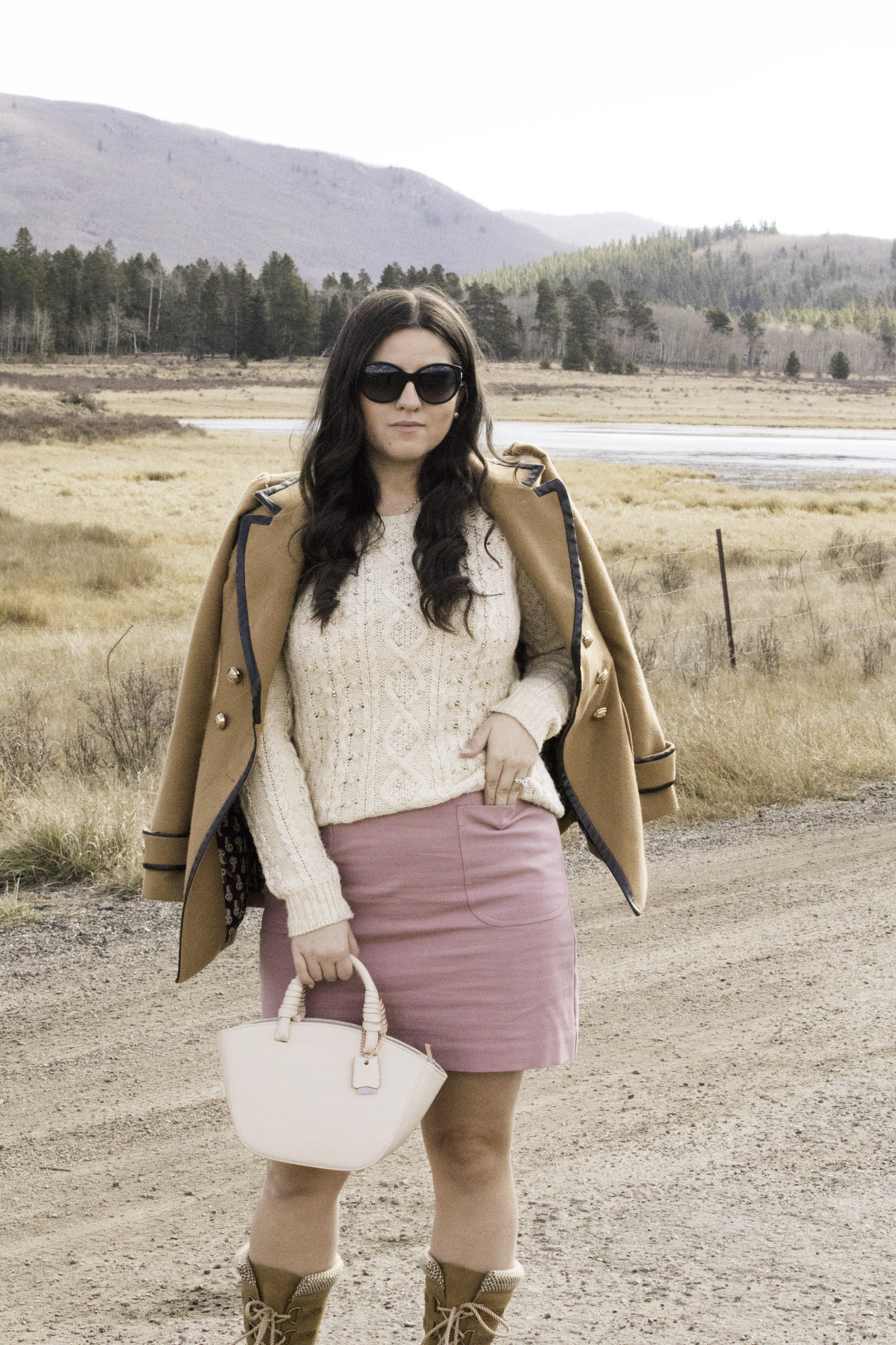 glamping trip giveaway, colorado glamping trip, glamping outfit idea, baily lamb