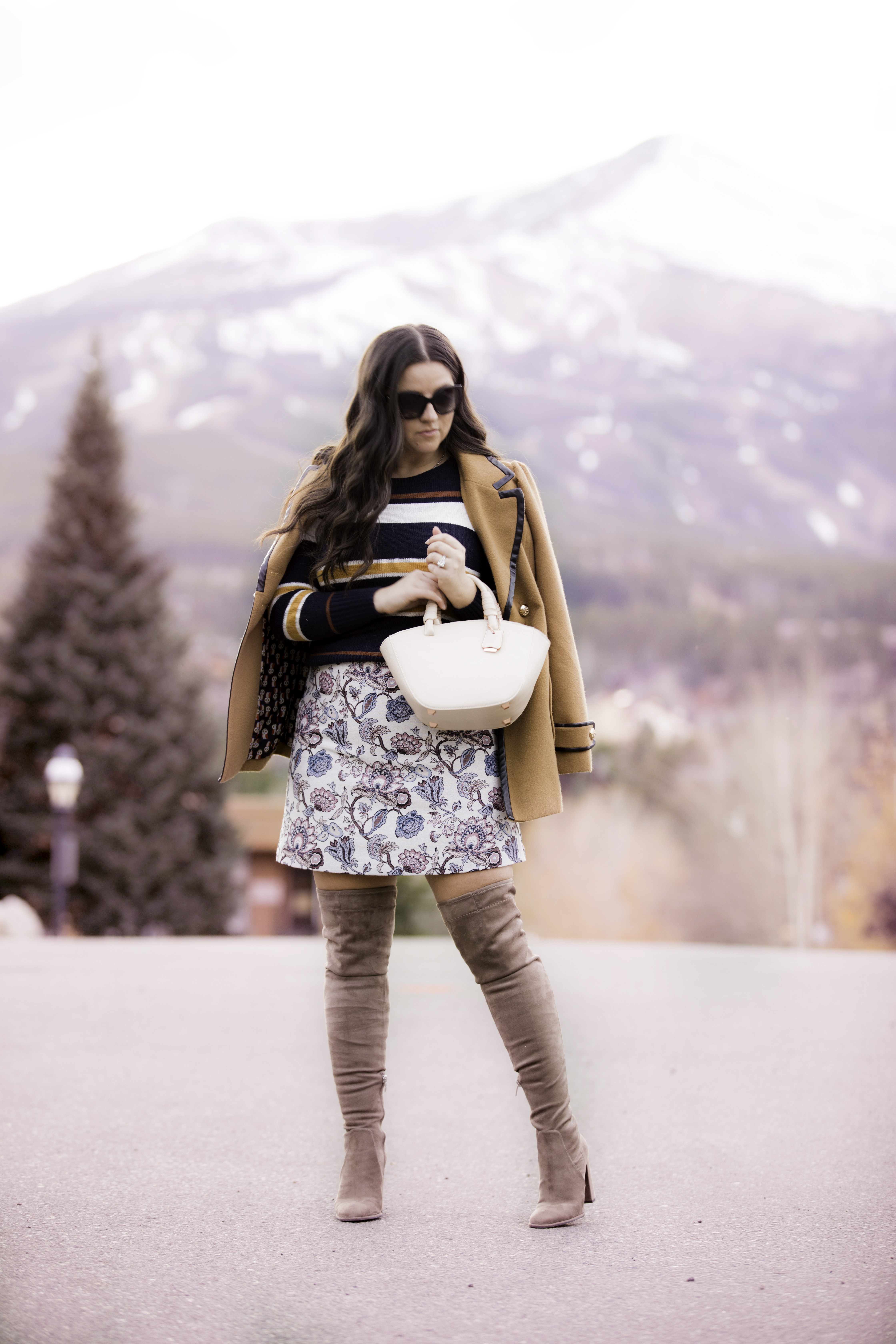 most recent handbag trend, loft fall fashion, loft fall sweater, loft floral skirts, stewart weitzman over the knee boots dupe, baily lamb